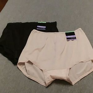 NWT Lot of 2 Bali Underware Briefs XL/8